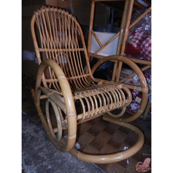 Sedia a dondolo in giunco naturale cestenolvetri for Sedia a dondolo provenzale