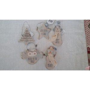 decorazioni assortite in legno da appendere
